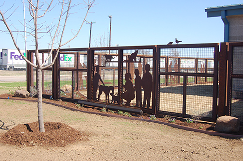 Sculptural steel fence at the Chuck Silcox Animal Care & Control Center